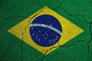 brasil_rachado